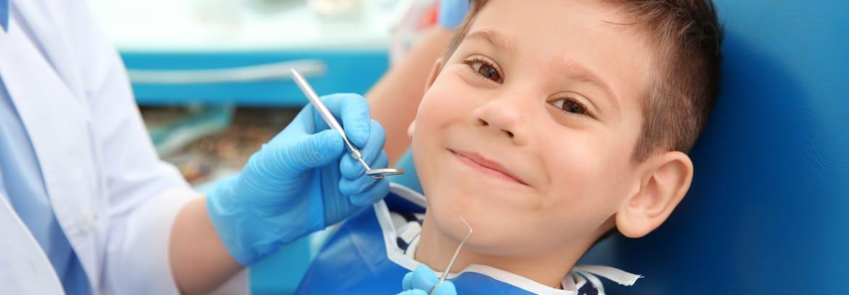 Prima visita dal dentista per i bambini